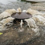 Enquanto países desenvolvidos reestatizam, governo Leite quer privatizar a água dos gaúchos